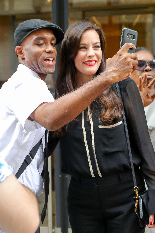 Mit diesem Hollywoodstar möchten viele Fans ein Selfie machen ...