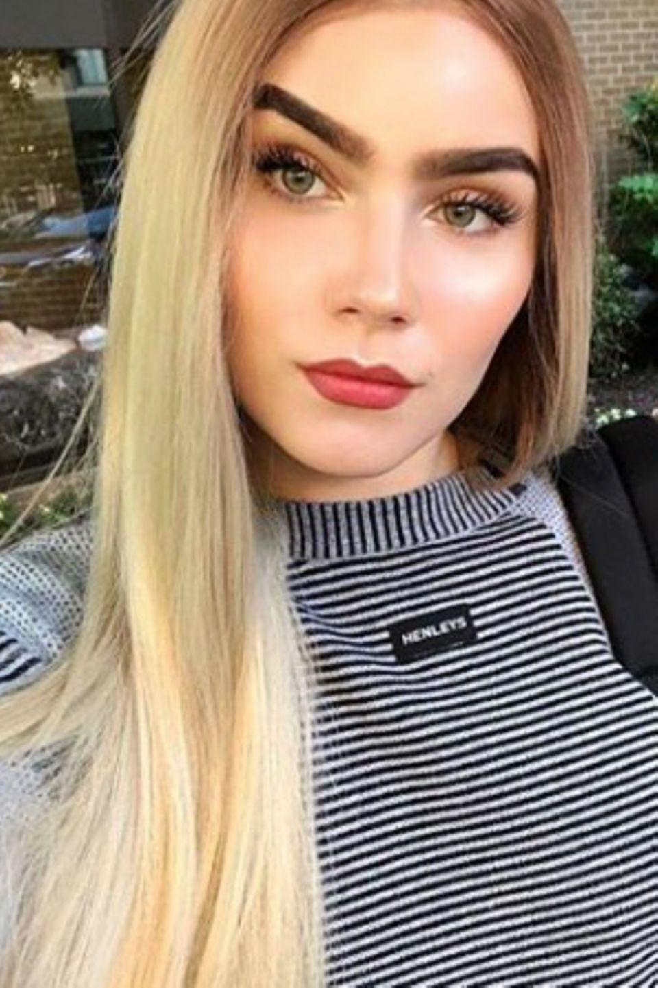 Neuer Look für Nathalie Volk? Das 21-jährige Model zeigt sich auf diesem Selfie auf Instagram mit blonden Haaren statt dunkler Mähne. Ob es sich dabei um eine Perücke handelt oder wirklich eine neue Haarfarbe? Nathalie klärt es bisher nicht auf.