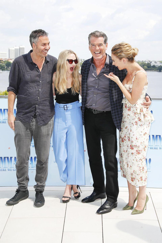 """12. Juli 2018  """"Mamma Mia"""", was für eine Stimmung: In Hamburg präsentierenOl Parker, Amanda Seyfried, Pierce Brosnan und Lily James die Fortsetzung des erfolgreichen Musicalfilms."""
