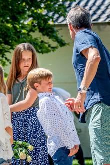 15. Juli 2018  Huch, was schwirrt Prinz Vincent denn da um den Kopf herum? Erschrocken kneift der Prinz die Augen zu.