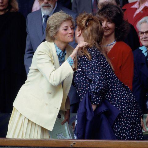 Prinzessin Diana und Sarah Ferguson in Wimbledon 1988.