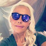 Plötzlich lange Haare! Natascha Ochsenknecht hat über Nacht ordentlich zugelegt - und zwar an Haar! Ihre zuvor eher kurzen Haaren hat die Blondine mit Extensions verlängern lassen. Vor allem von hinten ist das Ergebnis eine riesige Veränderung ...