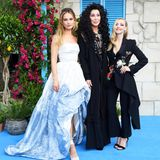 "Lily James, Cher und Amanda Seyfried sind die Hingucker bei der ""Mamma Mia! Here We Go Again""-Weltpremiere im ""Apollo"" in London."