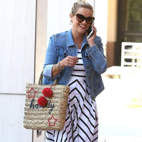 Reese Witherspoon unterwegs in Los Angeles.