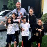 16. Juli 2018  So geht Patchwork: Alex Rodríguez mit seinen Töchtern Ella und Natasha in Hintergrund undJennifer Lopez mit ihren Kids Emme und Maximilian.