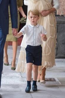 Juli 2018  Der kleine Frechdachs Prinz George bei der Taufe seines Bruders Prinz Louis.