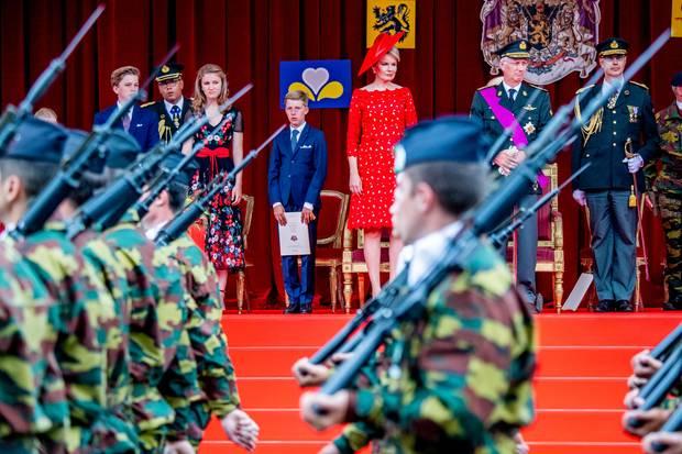 21. Juli 2018   Die belgischen Royals machen einen aufmerksamen Eindruck bei der Militärparade am Schlossplatz amNationalfeiertag 2018 in Brüssel. Doch einige Schnappschüsse zeigen sie überraschend menschlich...