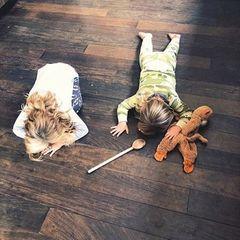 """20. Juli 2018  """"Er (Sohn Otis, links) hatte einen Wutanfall und sie (Tochter Daisy) legte sich sofort auf den Boden zur Unterstützung"""", postet Olivia Wilde begeistert."""