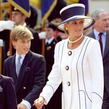 Prinzessin Diana und Prinz William im August 1995