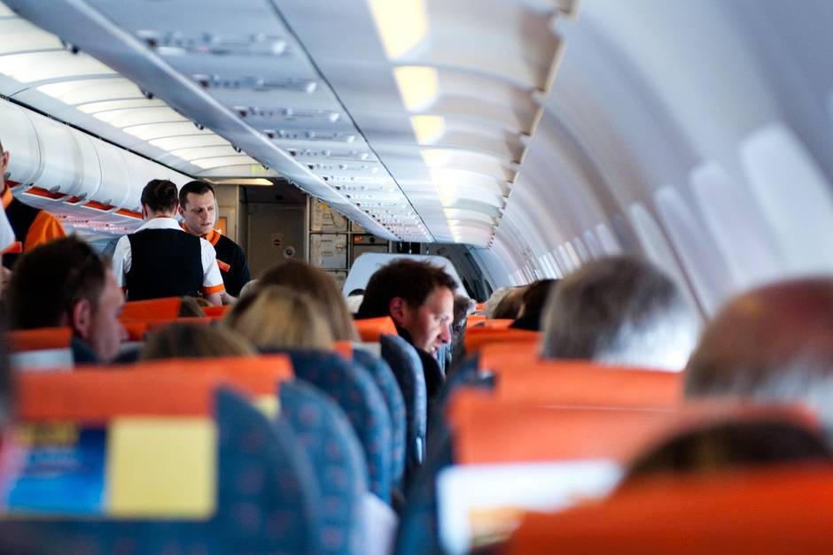 Flugzeug.