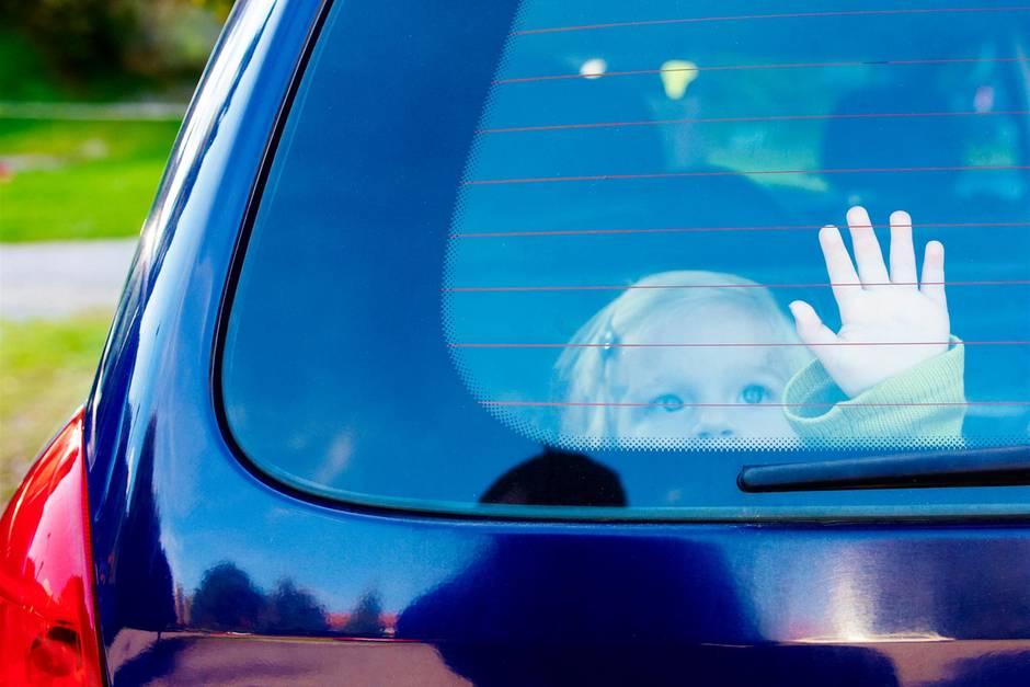 Kind im Auto (Symbolbild)