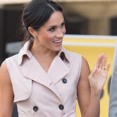 Herzogin Meghan mit perfekt manikürten Nägeln.
