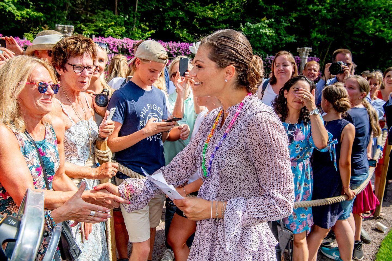 Prinzessin Victoria grüßt Fans am 14. Juli 2018, ihrem 41. Geburtstag, auf der Insel Öland