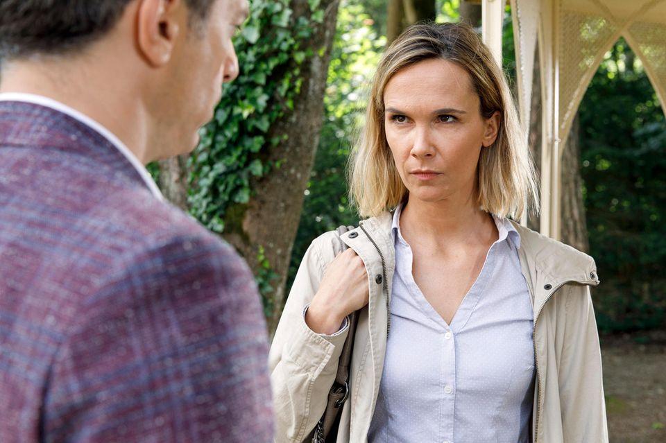 Folge 2978 am Dienstag (21.08.18): Robert (Lorenzo Patané, l.) trifft am Fürstenhof überraschendauf seine alte Bekannte Madeleine (Dominique Marquet, r.).