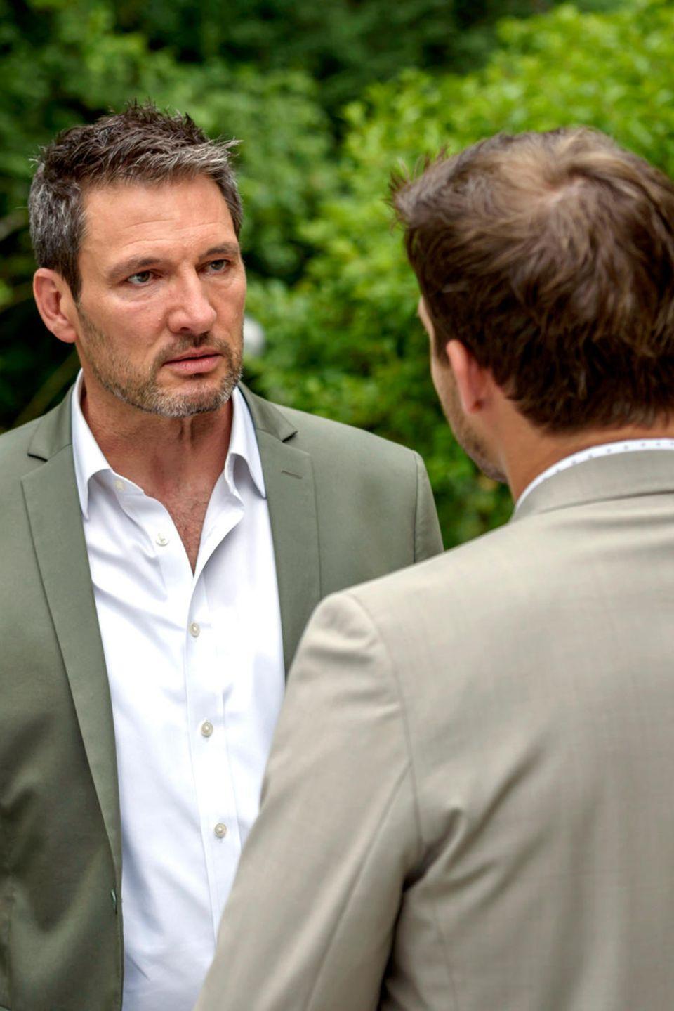 "Folge 2984 am Mittwoch (29.08.18): Christoph (l. Dieter Bach) warnt seinen Sohn Boris (r. Florian Frowein)vor ""dessen Kumpel"" Tobias"