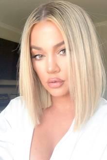 Ja,sie hat es wieder getan! Khloé Kardashian hat sich von ihrerlangen Haarpracht getrennt und trägt wieder einen Bob. Das Beweisfoto teilt sie mit ihren Fans auf Instagram, die ihre neue Frisur ebenfalls lieben.