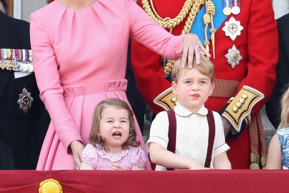 Herzogin Catherine und Prinz William mit ihren Kindern Prinzessin Charlotte und Prinz George
