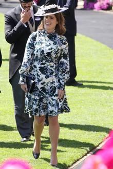 Seitdem sie ihre Verlobung mit Jack Brooksbank bekannt gegeben hat, scheint sie jedoch auf Abnehm-Mission.Ihre Taille ist im Juni 2018 deutlich schmaler, das Gesicht weniger rund.