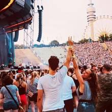 30. Juli 2018  Gemeinsam Musik hören im Münchener Olympiastadion. Wayne und Annemarie Carpendale genießen die Zeit zu zweit.