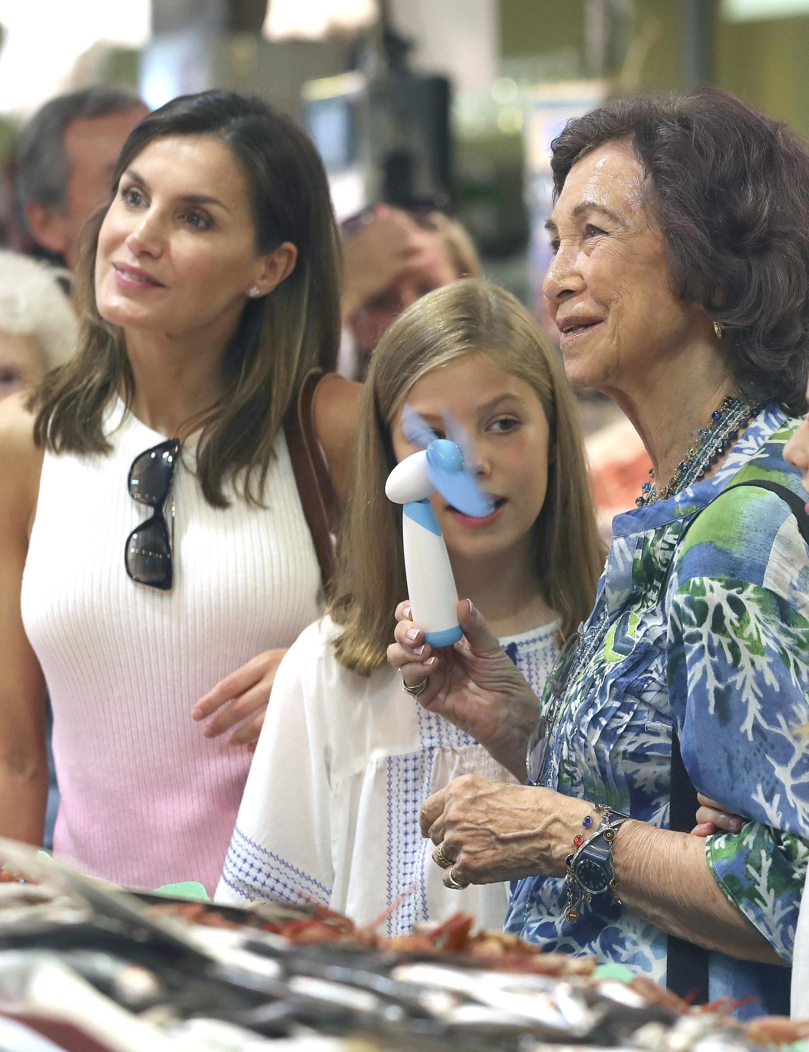 Königin Letizia und Sofia zeigen sich herrlich normal.