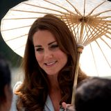 Auch Herzogin Catherine scheint die Vorzüge des Sonnenschirms erkannt zu haben.