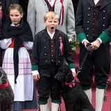 Die norwegische Königsfamilie feiert den Verfassungstag in Oslo:Prinz Sverre Magnus scheintdavon recht wenig zu halten.