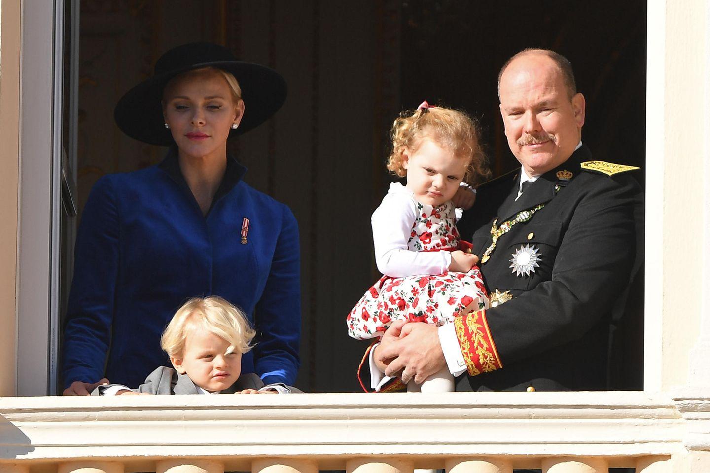 Die Fürstenfamilie von Monaco:Fürstin Charlène, Erbprinz Jacques Honoré Rainier, Prinzessin Gabriella und Fürst Albert