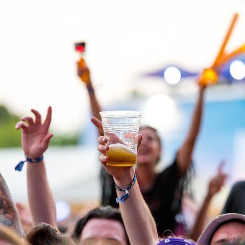 Auf Konzerten gilt Bier als ein beliebtes Kaltgetränk.