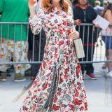 Im Kleid von Gabriela Hearts versprüht Amy Adams viel gute Laune.