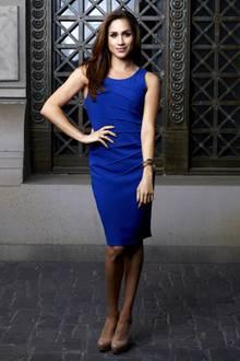 """Vom Serien-Star zur Herzogin: In der Erfolgsserie """"Suits"""" war Meghan Markle auch immer stilvoll gekleidet, so wie hier im royalblauen Etuikleid."""