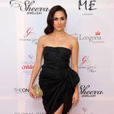 Bei der Global Gift Gala in London präsentierte sich Meghan im November 2013 glamourös und sexy zugleich. Mit freien Knien ist jetzt aber Schluss.