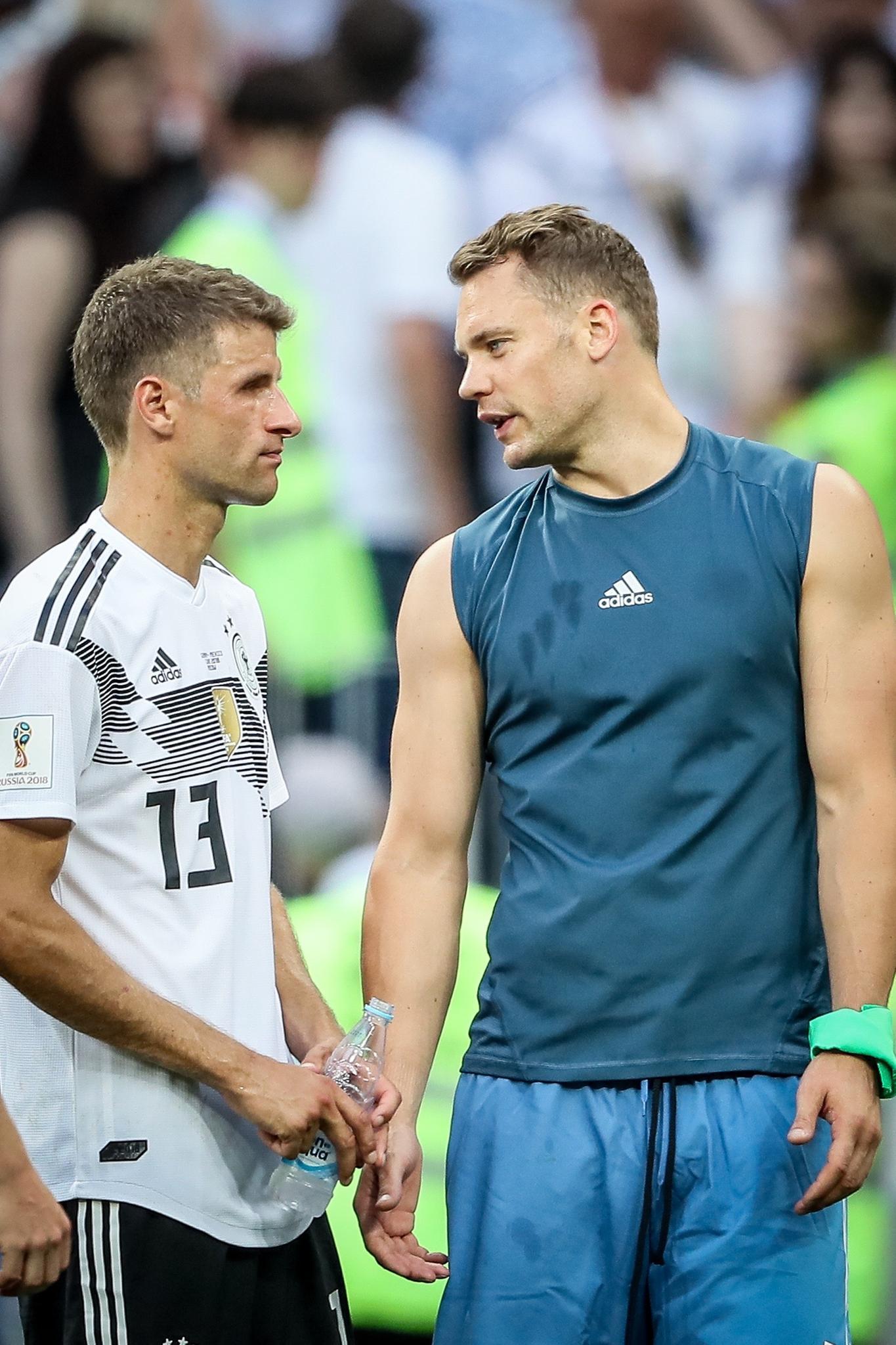 Thomas Müller und Manuel Neuer sprechen über ihren Ex-Team-Kollegen Mesut Özil