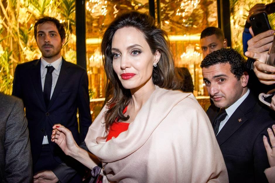 Streit um Unterhaltsgelder:Jolie greift Pitt an