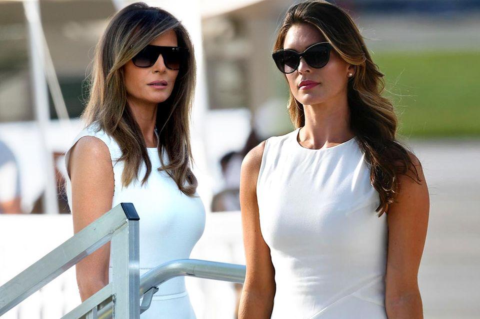 Könnten glatt Schwestern sein: Melania Trump (l.) und Hope Hicks (r.)