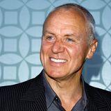"""Alan Dale - Caleb Nichol  Während andere """"The O.C.""""-Stars nur durch die Serie aus Orange County bekannt sind, kann Alan Dale auf eine weitaus längere Filmografie blicken ..."""