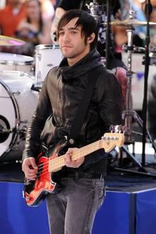Als Bassist der Alternative Rockband Fall Out Boy feierte Pete Wentz weltweit Erfolge. Nach dem Ende seinerdreijährigenEhe mit Ashlee Simpson 2011 Medikamentensucht und der vorübergehenden Trennung der Band 2013 sei es ihm aber nicht gut gegangen.