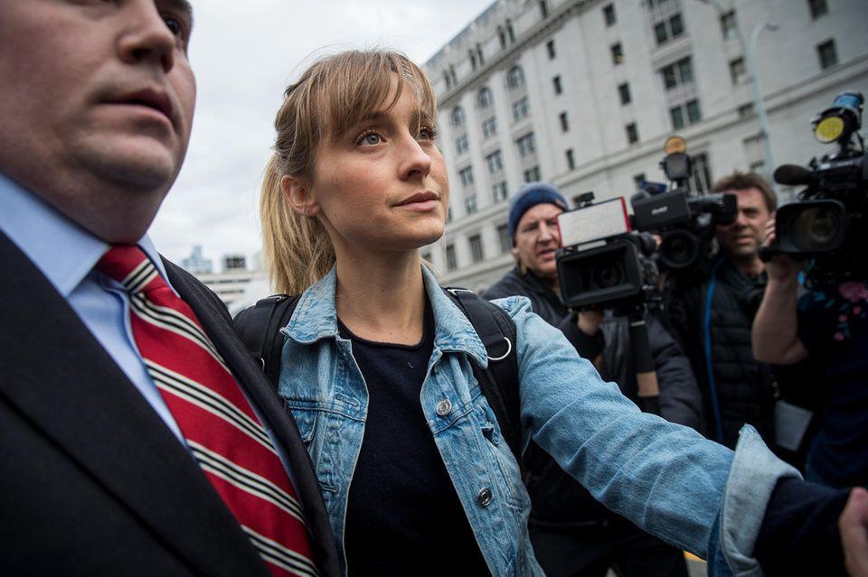 """Allison Mack wegen """"Sex-Handel"""" angeklagt"""