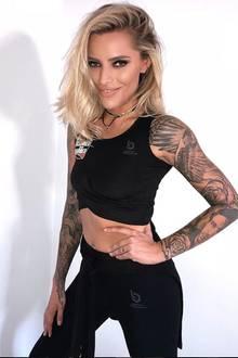 In 2018 wirkt Sophia Thomalla allerdings noch einmal viel durchtrainierter. Proteindrinks und Workouts haben ihr Muskeln an Bauch und Armen beschert.