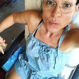 """2. August 2018   Moderatorin Marlene Lufen beschreibt ihre großartige Idee gegen Sommerhitze: """"Das lass ich mir patentieren. Mega Idee. Meine eigene Klimaanlage fürs Büro. Zwei Kühlpacks rechts und links von meinen Schenkeln. Damit werde ich reich!"""""""