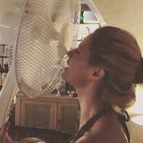 4. August 2018  Michelle Hunziker genießt den kühlenden Wind, den ihr Ventilator erzeugt.