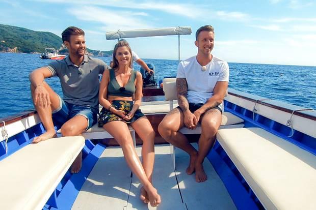 Bei einem Date auf dem Wasser will Nadine Daniel und Chris näher kennenlernen.