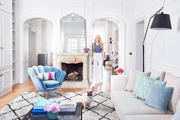 In diese vier Wände würden wir nur zu gerne einziehen! Delia Fischer, Gründerin von Westwing, bietet nicht nur stilvolle Möbel an- sie lebt selbst auch in einem wahr gewordenen Interior-Traum. Wir führen Sie durch die Wohnung der hübschen Blondine.