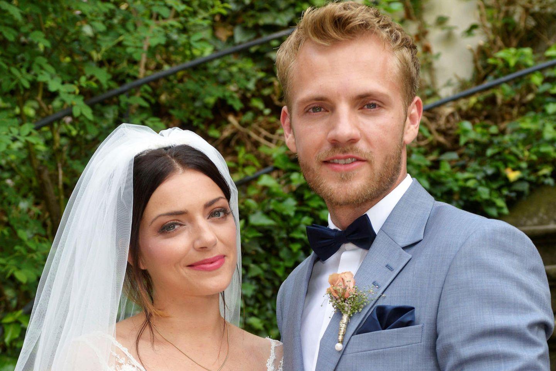 GZSZ: Ist Emilys Brautkleid das skurrilste aller Zeiten?  GALA.de