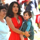 Salma Hayek  Hollywood-Star Salma Hayek ist 41 Jahre alt, als Tochter Valentina 2007 zur Welt kommt.