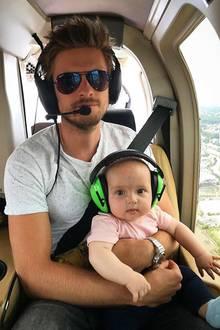 10. August 2018  Über den Wolken...Jörn Schlönvoigt genießt mit seiner süßen Tochter Delia einen Helikopterflug über New York, und von dort aus geht die Familienreise dann weiter nach Los Angeles. Schönen Urlaub noch!