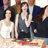 Nach dem Ausscheiden von Shannen Doherty ging es aber weiter mit den drei Hexenschwestern. Rose McGowan tauchte als vierte Schwester Paige Matthews aus der Versenkung auf, und sie spielte diese Rolle bis zum Ende der Erfolgsserie nach der achten Staffel 2006.