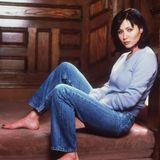 """Shannen Doherty war schon durch ihre Rolle der Brenda Walshin """"Beverly Hills, 90210"""" weltweit bekannt geworden, der Ruhm bekam ihr aber nicht gut.Und auch ihre Rolle der Prue Hallwell in """"Charmed"""" wurde nach der dritten Staffel und einem Streit mit der Produktionsfirma gestrichen, sie starb den Hexentod."""