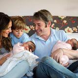 Mit Hilfe einer Leihmutter wurden Sarah Jessica Parker und Matthew Broderick im Juni2009 noch einmal Eltern von Zwillingen: die zweieiigen Schwestern Tabitha und Marion.
