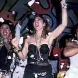 """Korsagen und Ketten: 1985 wurde Madonnas """"Drunter""""-Look legendär."""
