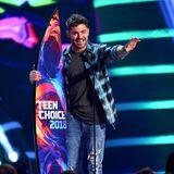 """Zac Efron konnte bei den """"Teen Choice Awards"""" schon oft von sich überzeugen und wird auch in diesem Jahr als Gewinner gefeiert. Gleich in drei Kategorien kann der Teenieschwarm abräumen."""